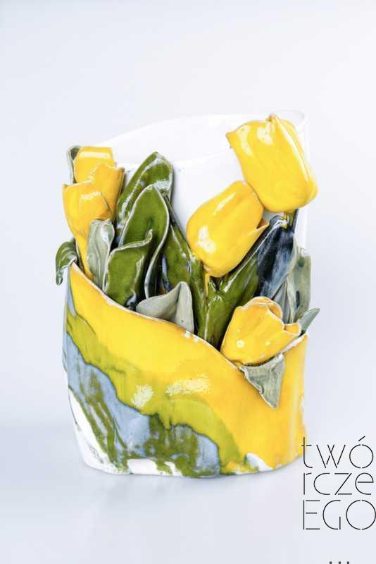 Wazon kwitnące tulipany