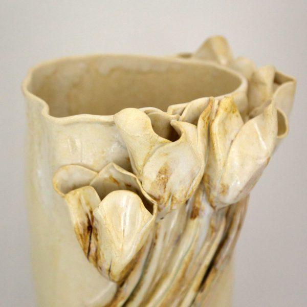 Wazon z perłowymi tulipanami